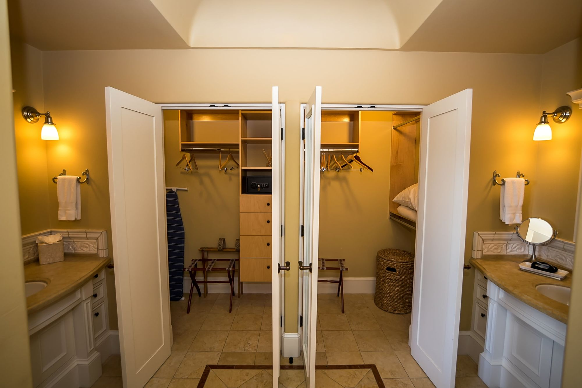 Twin large walk-in closets and vanities